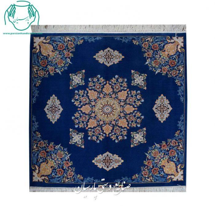 کارگاه فرش دستبافت اصفهان کف ساده مربع جنس کرک ابریشم
