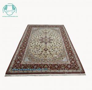 فرش دستباف لچک ترنج اصفهان زمینه لاکی