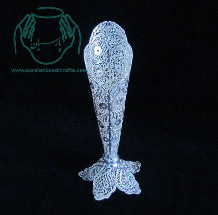 گلدان تک لب ملیله از جنس مس با روکش نقره و لاک محافظ ملیله