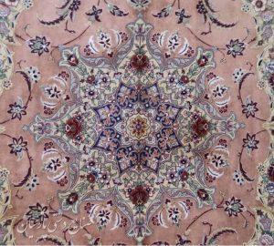 فرش دستباف ابریشمی  اصفهان
