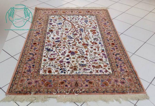 قیمت قالیچه دو کف ابریشم اصفهان نقشه درختی