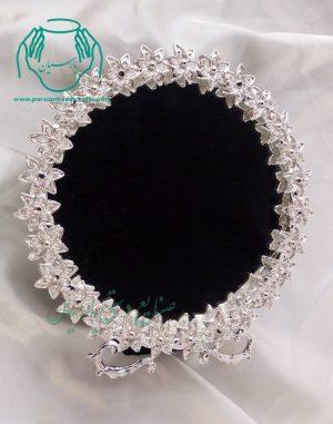 نمای نزدیک آینه شمعدان گرد ریخته ای طرح جدید
