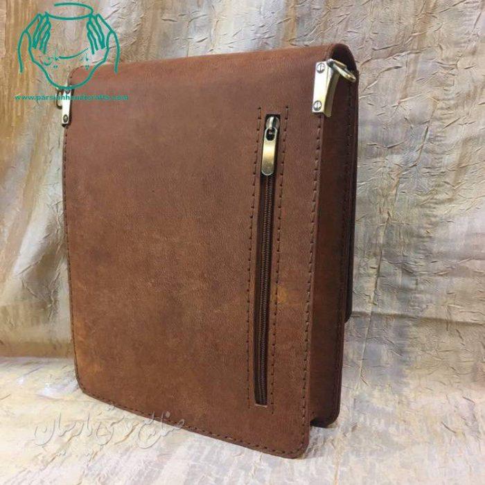 نمای کیف دوشی چرمی مردانه