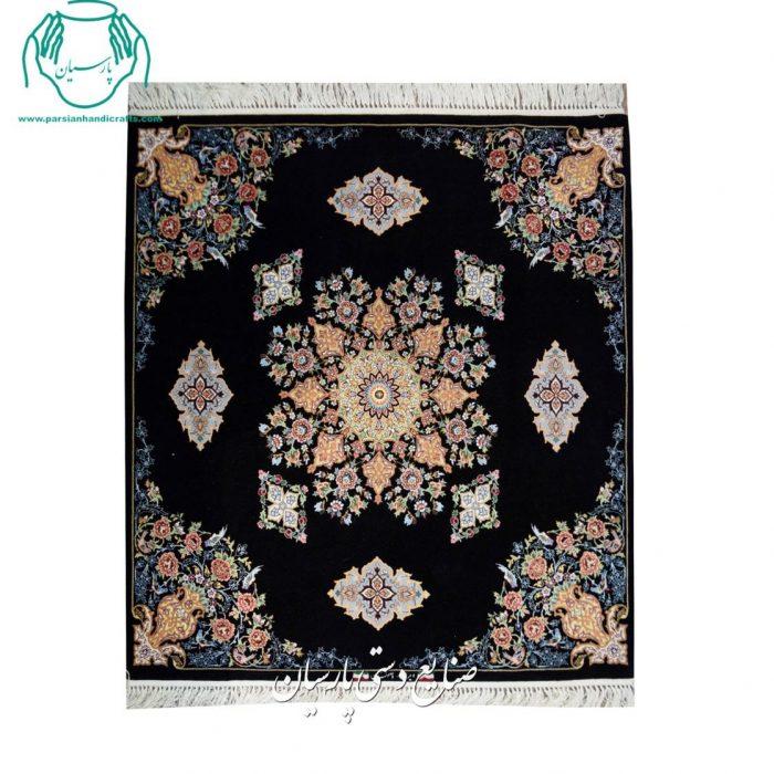 گالری قالیچه مربع کرک و ابریشم اصفهان نقشه کف ساده