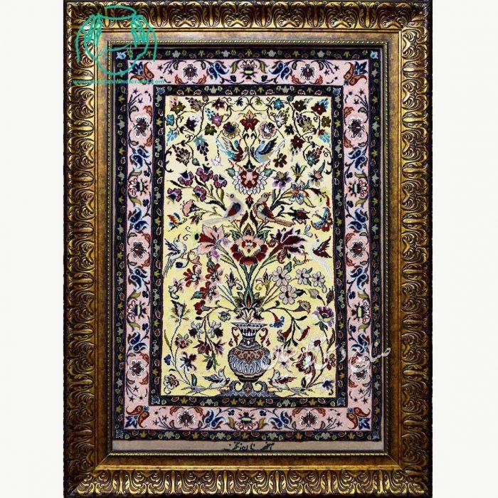 تابلو فرش دستبافت کرک ابریشم طرح گلدانی طلایی