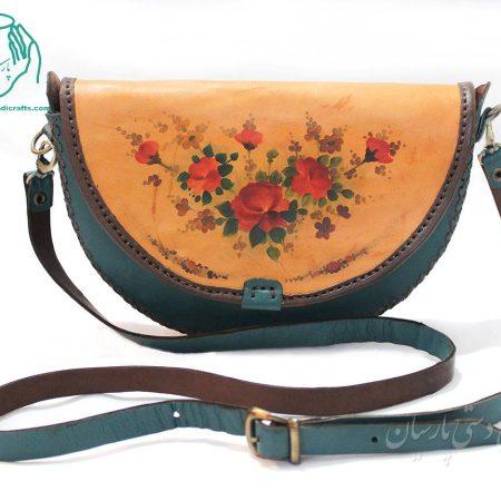 کیف دوشی چرم زنانه رنگ آبی تیره