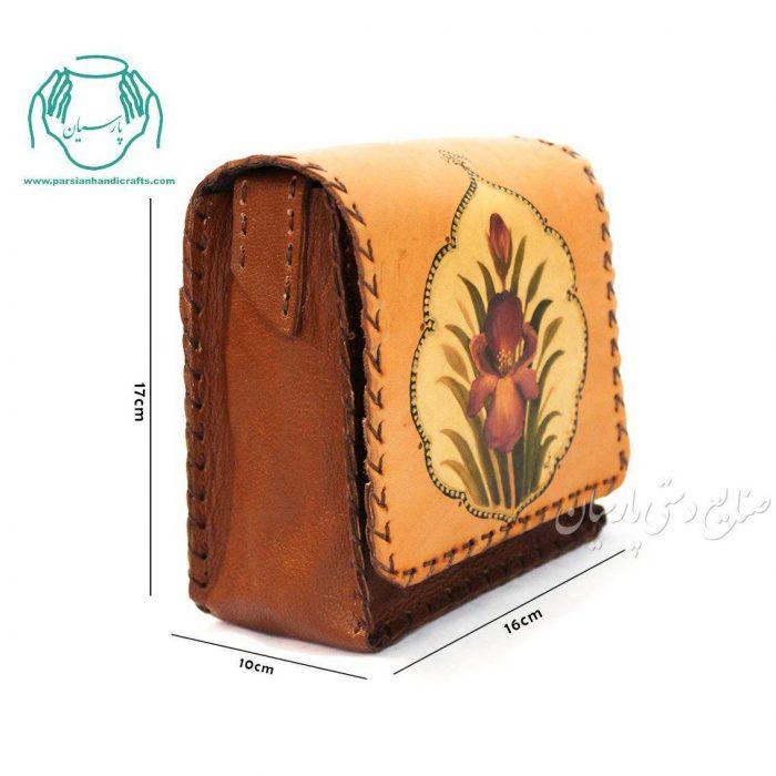 کیف دوشی چرمی نقاشی زنبق سایز کوچک