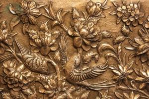 نمای نزدیک تابلو قلمزنی برجسنه طرح گل و مرغ