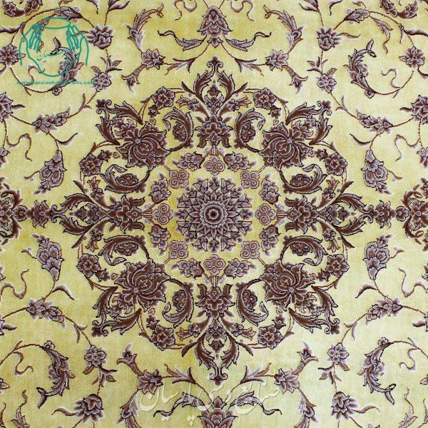 ترنج قالیچه دوکف ابریشم دوخفتی طلایی