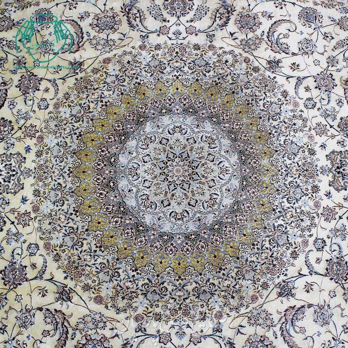 ترنج فرش دستبافت 4 لا 12متری نایین 95 درصد ابریشم