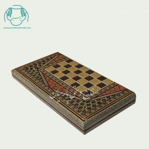 روی تخته نرد شطرنج معمولی تمام خاتم