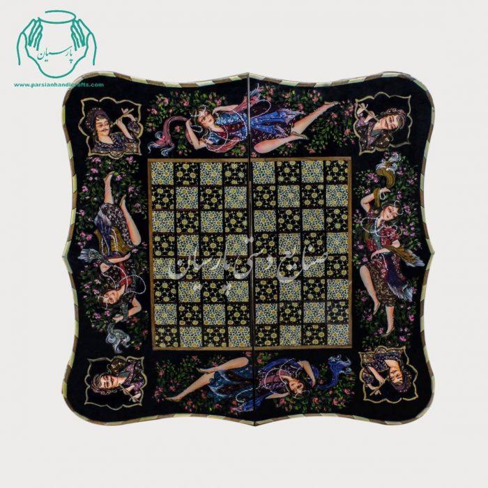 روی تخته نرد شطرنج خاتمکاری طرح رخ دالبری