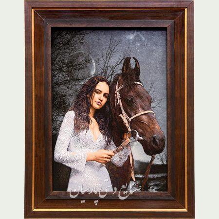 تابلو فرش اناکارنینا دختر با اسب سوار