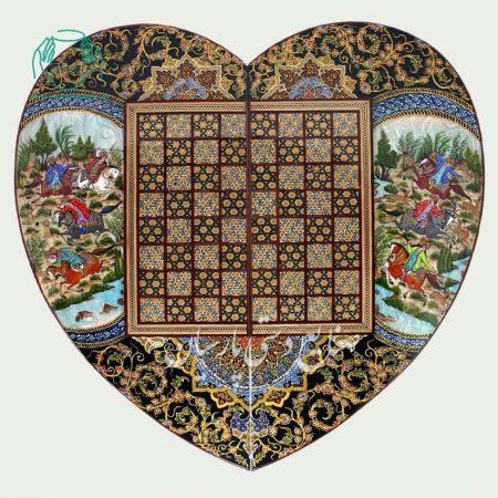 روی تخته نرد طرح قلب خاتم و نقاشی چوگان